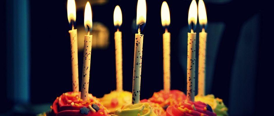 Feliz aniversário abençoado