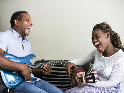 20 mensagens de aniversário de pai para filha que demonstram todo o carinho dessa relação