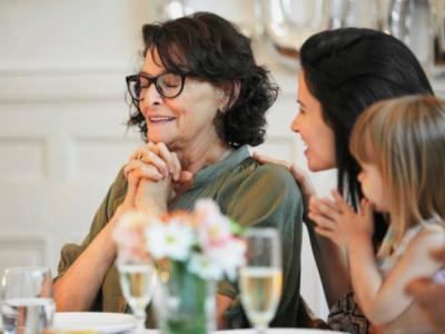 20 mensagens de aniversário para tia evangélica que celebram a vida dela