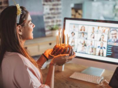 20 mensagens de aniversário para irmã distante que irão emocioná-la
